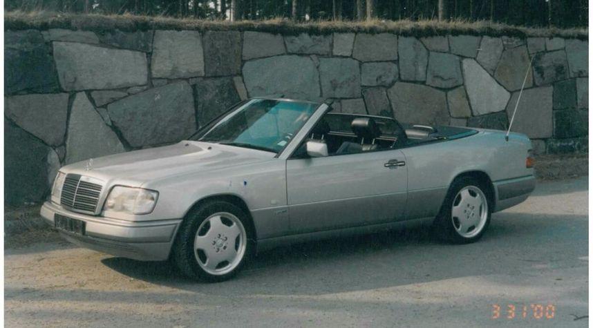 Main photo of Dan Backman's 1994 Mercedes-Benz E-Class