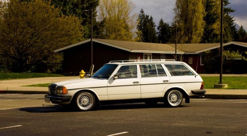 Main photo of Michael Finnelly's 1981 Mercedes-Benz 300TD