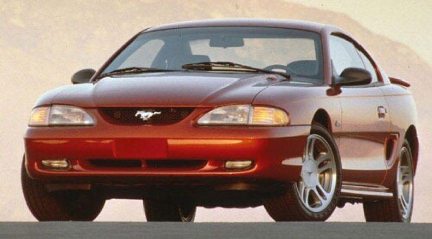 Main photo of Isaiah Hawkins's 1997 Ford Mustang