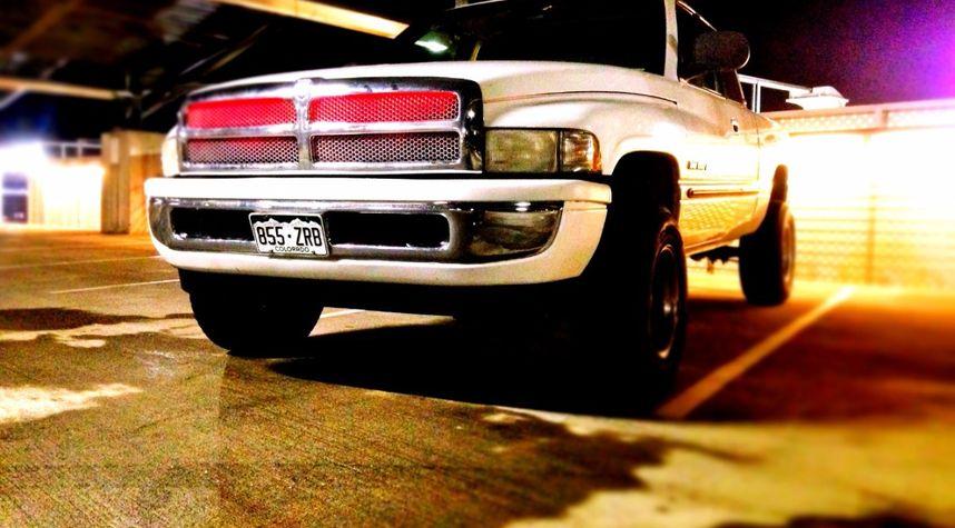 Main photo of Travis Mohr's 2000 Dodge Ram Pickup 1500