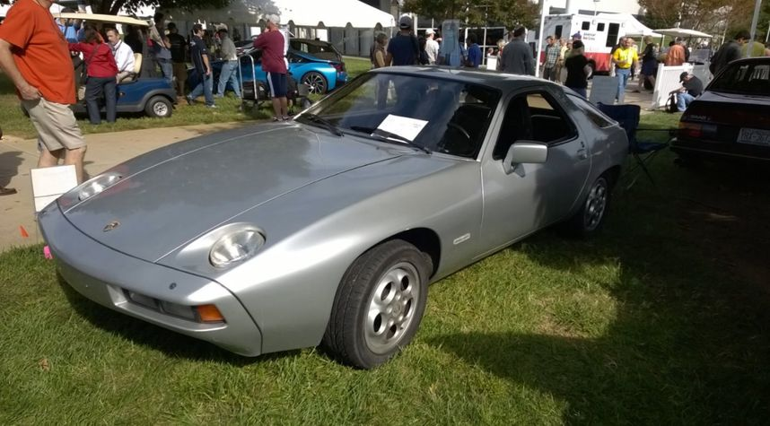Main photo of Harvey Yancey's 1978 Porsche 928