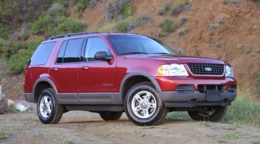 Main photo of Alan Dominguez's 2004 Ford Explorer
