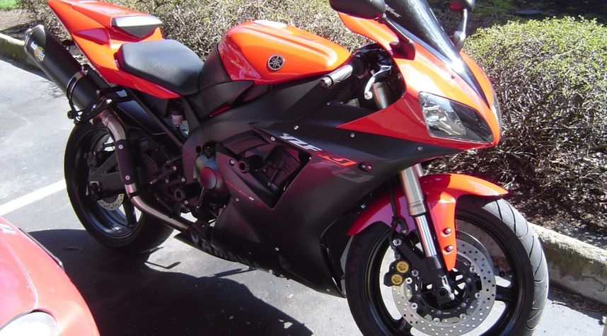 Main photo of Josh Reed's 2001 Yamaha R1