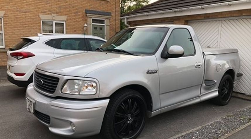 Main photo of Chris St Clair's 2001 Ford F-150 SVT Lightning