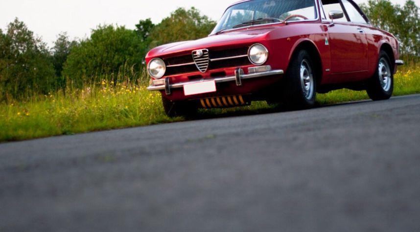 Main photo of Pieter Ameye's 1973 Alfa Romeo 1300 GT Junior