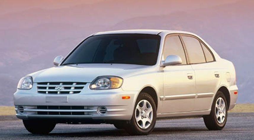Main photo of Ashley Brennenbaum's 2003 Hyundai Accent