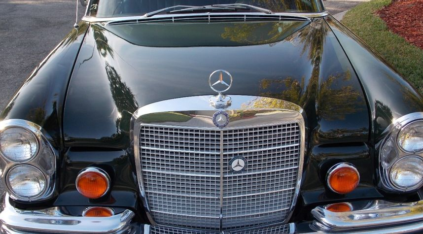 Main photo of Ron Cor's 1970 Mercedes-Benz 300SEL
