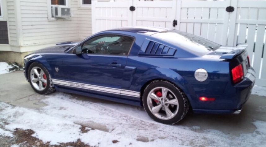 Main photo of Geovany Evans's 2009 Ford Mustang