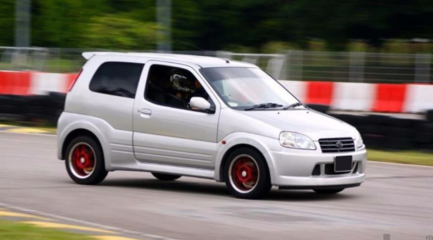 Main photo of Shawn Sham's 2003 Suzuki Swift