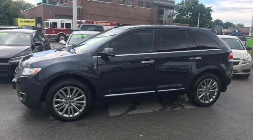 Main photo of Jim Pakeman's 2013 Lincoln MKX