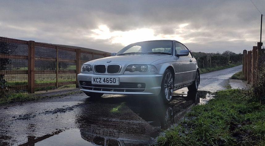 Main photo of James McCusker's 2001 BMW 3 Series