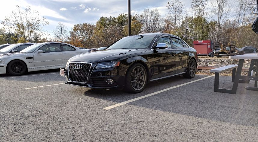 Main photo of Tanner Curtiss's 2012 Audi S4