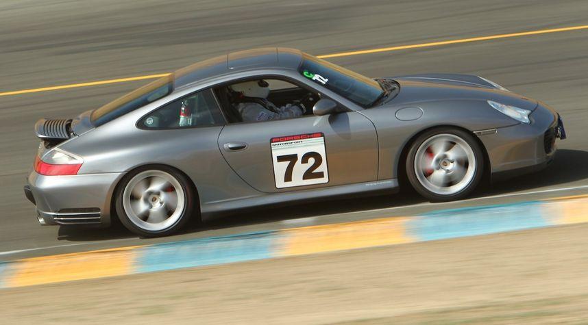 Main photo of Brad Williams's 2003 Porsche Carrera