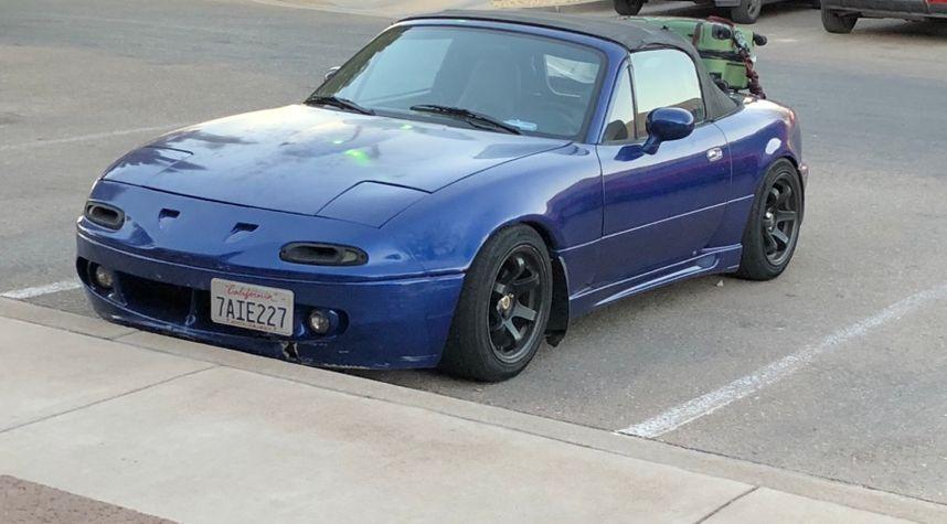 Main photo of Kyle Gove's 1994 Mazda MX-5 Miata