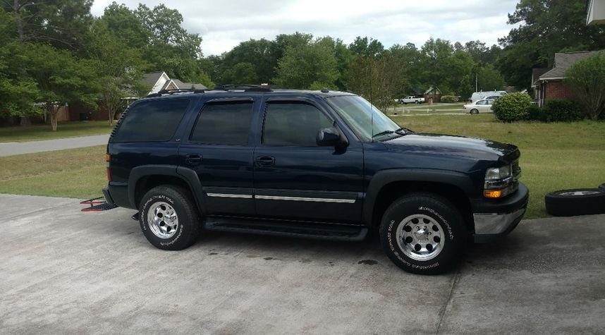 Main photo of Travis N's 2004 Chevrolet Tahoe