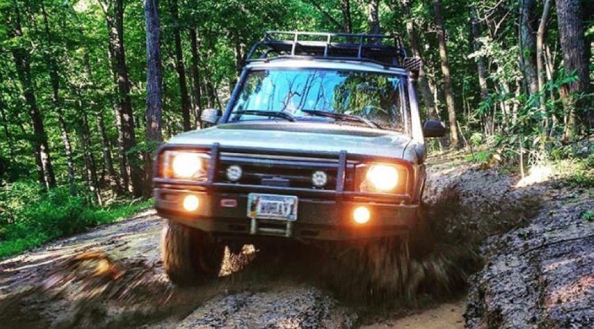 Main photo of Sebi Barberena's 2003 Land Rover Discovery