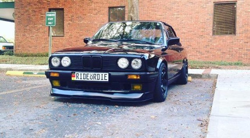 Main photo of Nathanial Gittings's 1989 BMW 325