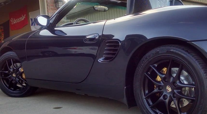 Main photo of Ryan Keating's 2004 Porsche Boxster