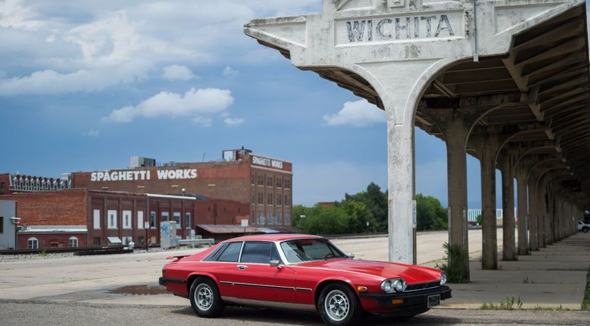 Main photo of Jake Lewis's 1977 Jaguar XJS
