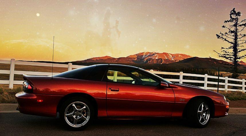 Main photo of Chris Wright's 2001 Chevrolet Camaro