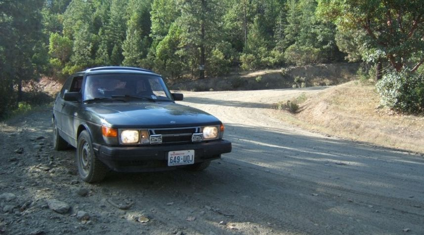 Main photo of Christopher  Ostrem's 1985 Saab 900