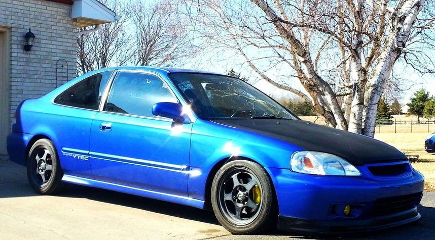 Main photo of Jeffrey Beran's 2000 Honda Civic