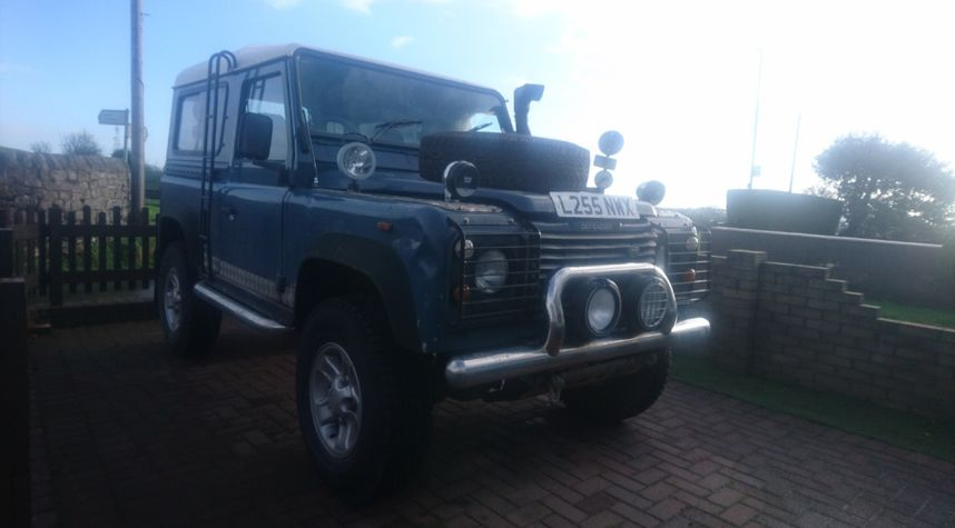 Main photo of Joe Quirk's 1993 Land Rover Defender