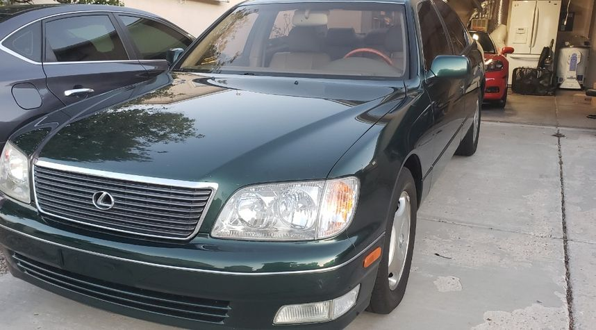 Main photo of Jamison  Spam's 1999 Lexus LS400