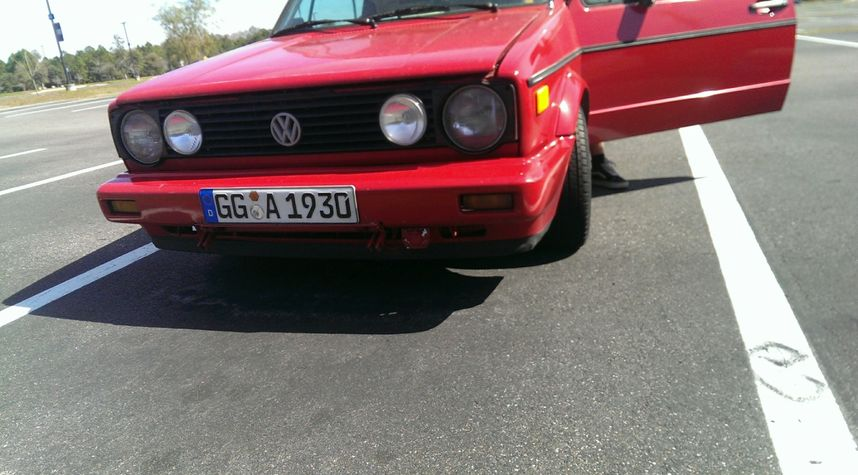 Main photo of William Weyandt's 1989 Volkswagen Cabriolet