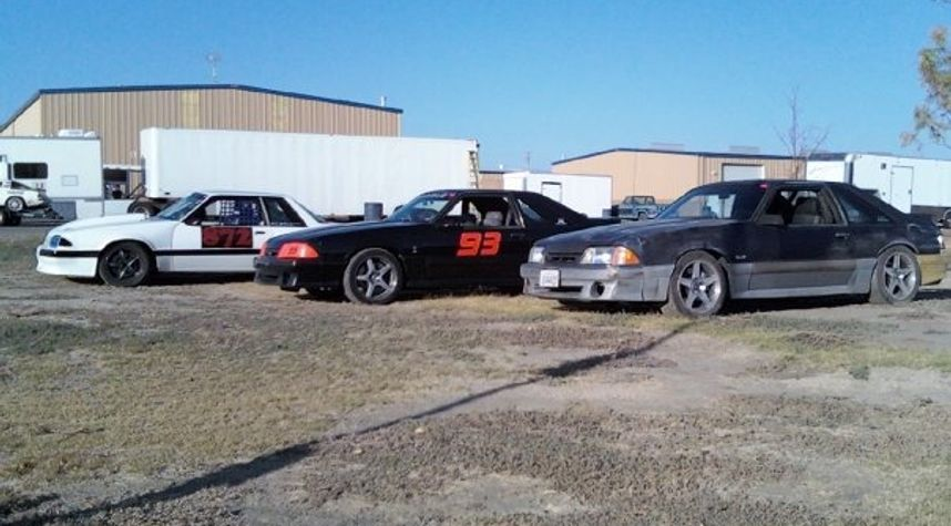 Main photo of Ben Richer's 1993 Ford Mustang