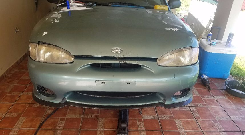 Main photo of Noelo Robledo's 1997 Hyundai Accent