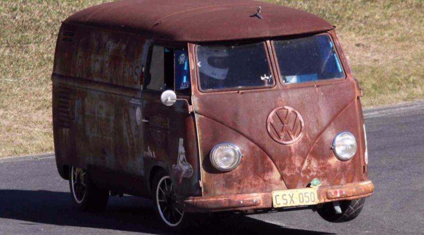 Main photo of Kris Muller's 1957 Volkswagen Kombi/Splitty