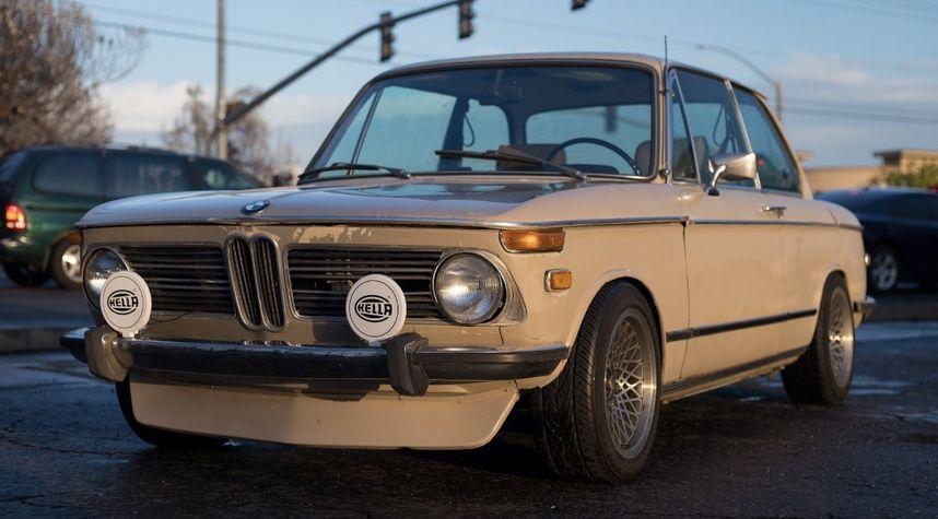 Main photo of Oliver von Mizener's 1973 BMW 2002