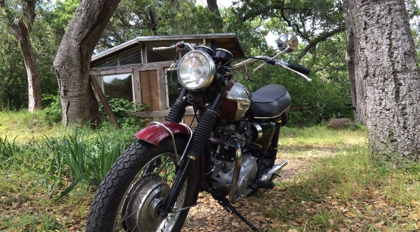 Main photo of Eric Maas's 1970 Triumph Bonneville