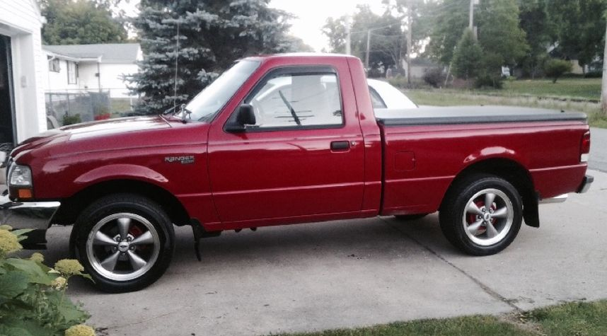 Main photo of Aaron Brothers's 2000 Ford Ranger