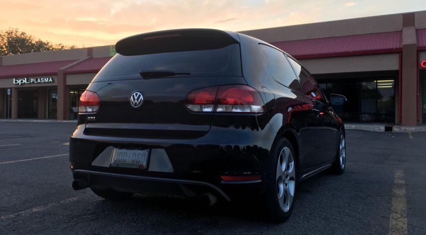 Main photo of Juan Garcia's 2010 Volkswagen GTI