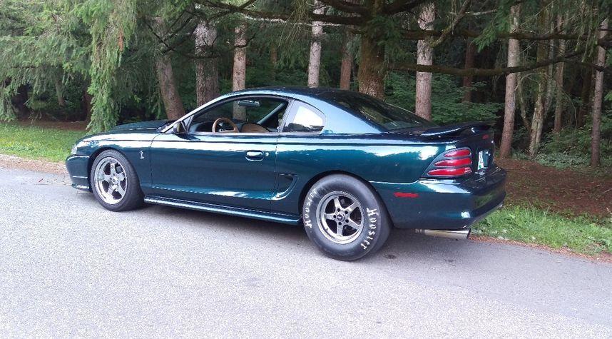 Main photo of Ryan Mok's 1994 Ford Mustang