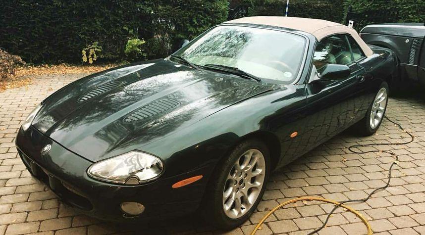 Main photo of Dan Backman's 2001 Jaguar XKR