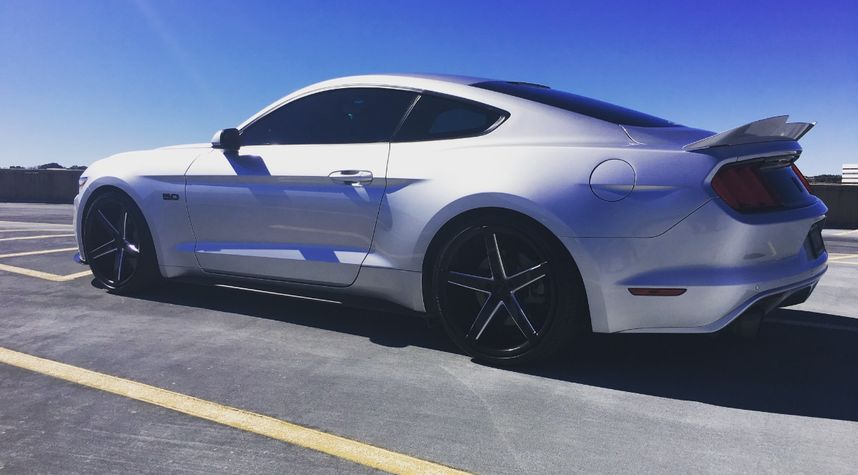 Main photo of Scott Grassmuck's 2015 Ford Mustang