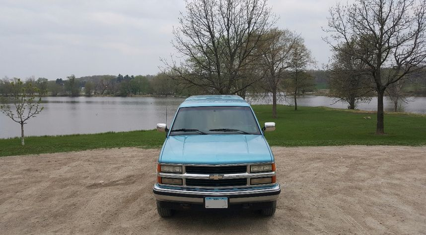 Main photo of Travis Topping's 1994 Chevrolet C/K 1500 Series
