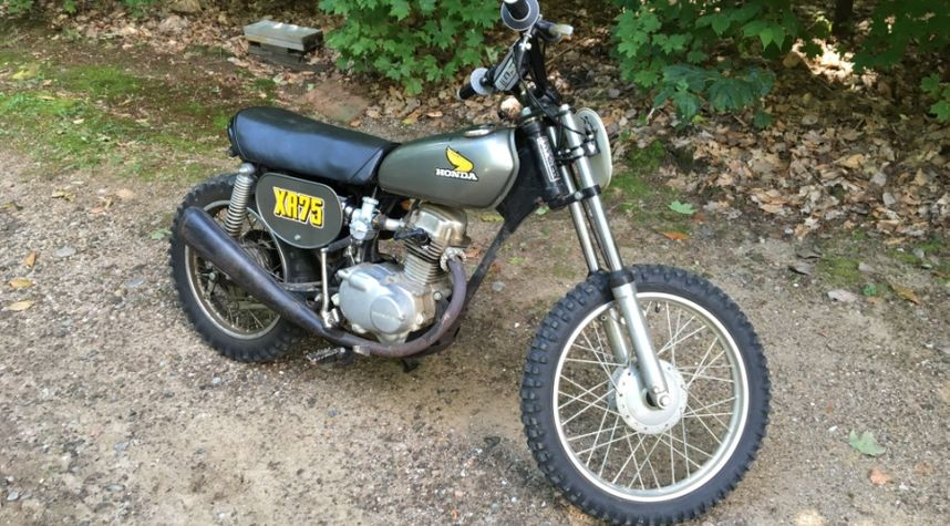 Main photo of Jordan Bezugly's 1974 Honda XR75