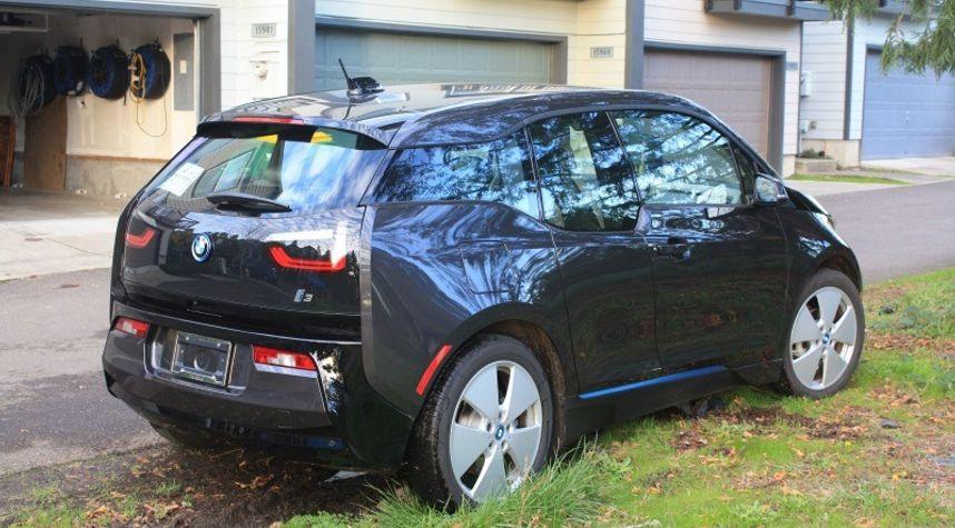 Main photo of Josh Reed's 2014 BMW i3