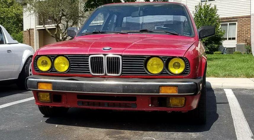 Main photo of Josh Key's 1985 BMW 3 Series