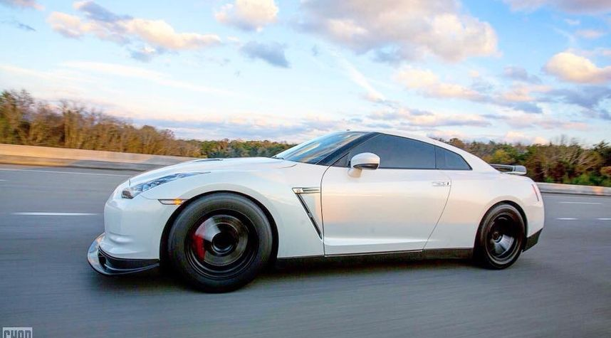 Main photo of Zach Ayers's 2010 Nissan GT-R