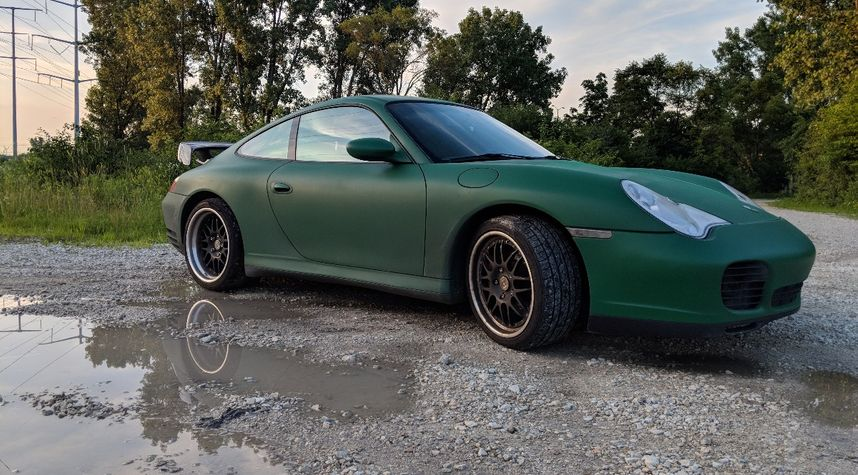 Main photo of Thomas Gagliano's 2003 Porsche 911