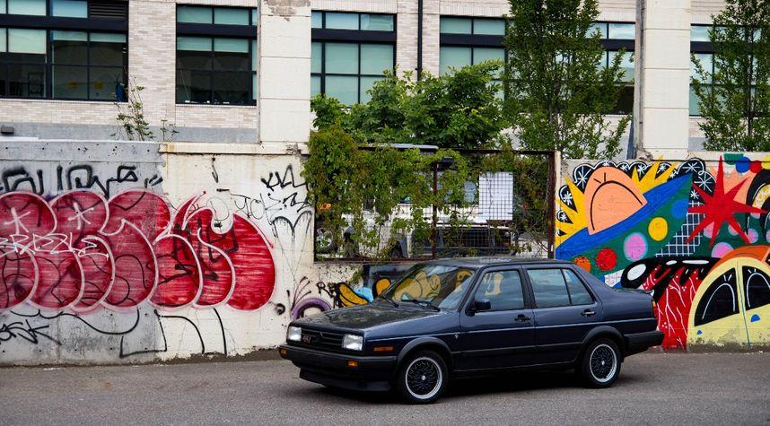 Main photo of Milo Otenburg's 1989 Volkswagen GLI