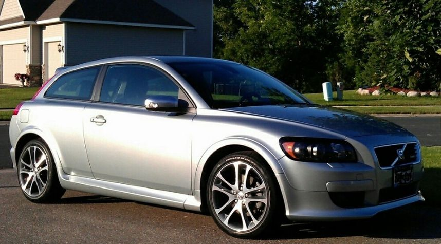 Main photo of Kendall Dunn's 2009 Volvo C30