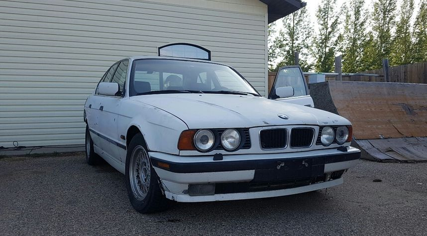 Main photo of Ryan Sterzuk's 1995 BMW 5 Series