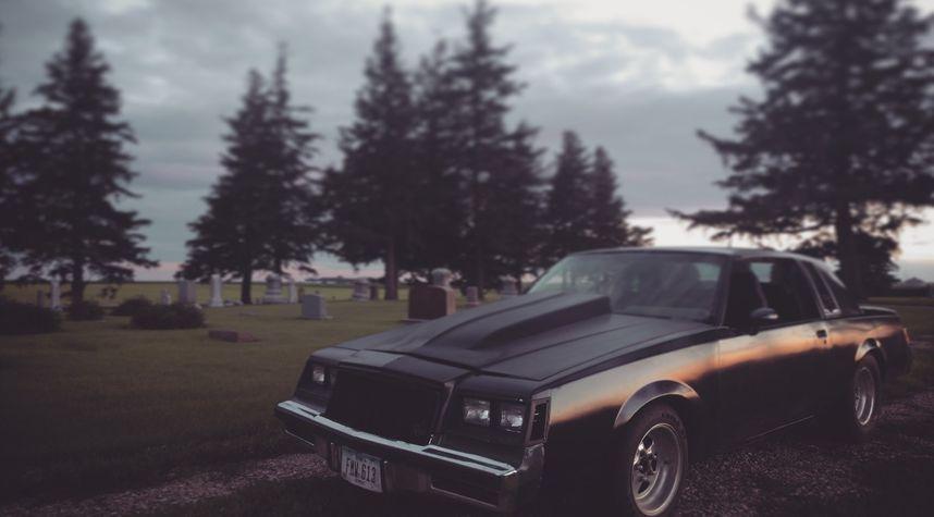Main photo of Mariah Mayhem's 1987 Buick Regal