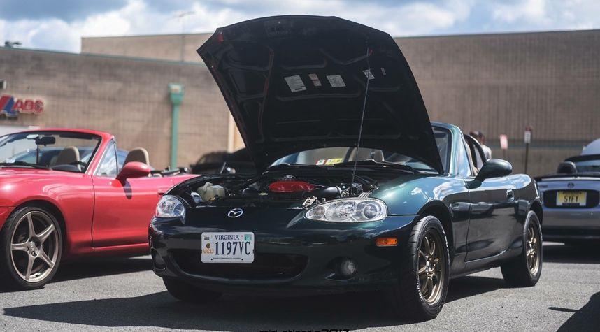 Main photo of Alex Auman's 2002 Mazda MX-5 Miata
